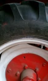12.4-28 traktor gumi