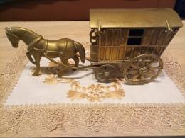 Bronz lovas szekér