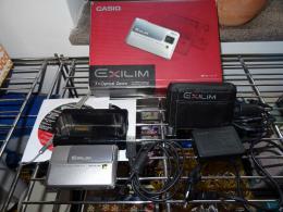 CASIO EXILIM EX-V7 dizánjnós kamera + taska