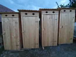 Fa kerti WC-k, füstölők, tyúkól, nyúlketrec, kutyaól