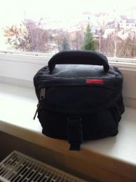 Fényképezõgép táska, tartó-fekete