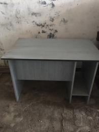 Íróasztal tv asztal