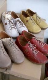 Nöi bör cipő