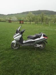 Piaggio x8 125 maxi scooter