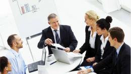 Sok üzleti kapcsolattal rendelkezik magánszemélyekkel?