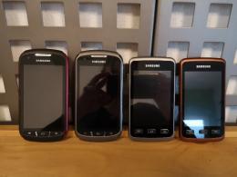 Strapabíró telefonok új aksival + töltővel és adatkábellel