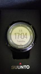 SUUNTO beépített GPS-es sport óra
