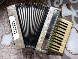 TURIST harmonika - JUTÁNYOS áron.