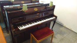 Zongora pianino jó állapotban